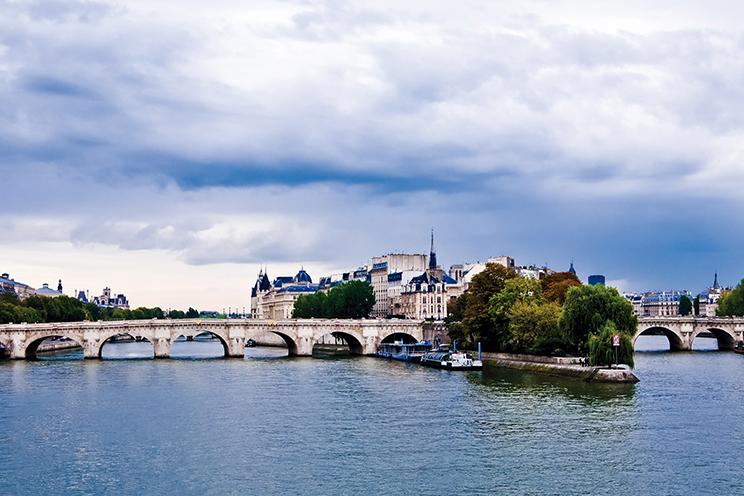 Paris, Países Baixos e Itália (Avião) (E4023) - 2019/2020