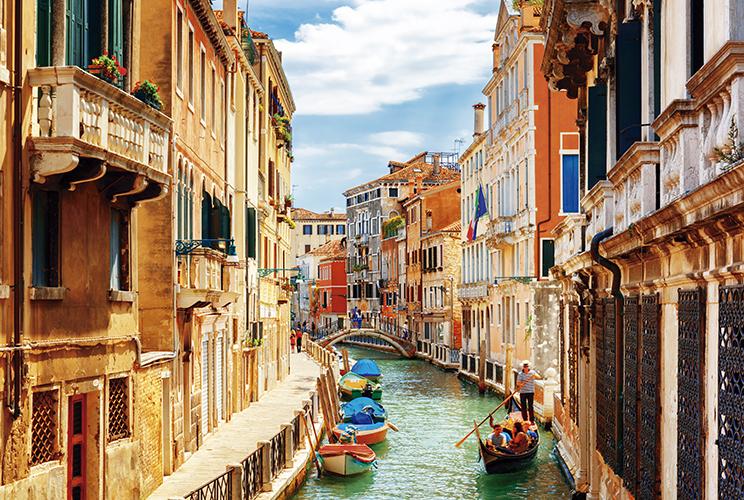 Paris, Londres, Amstedã e Itália (Avião) + Ext. Costa Amalfitana (E4036.4) - 2019/2020